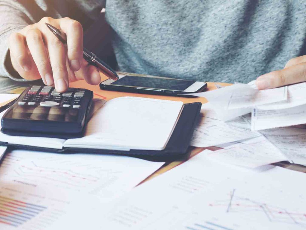 What are the Things to Consider while Opting for Management Courses in Finance