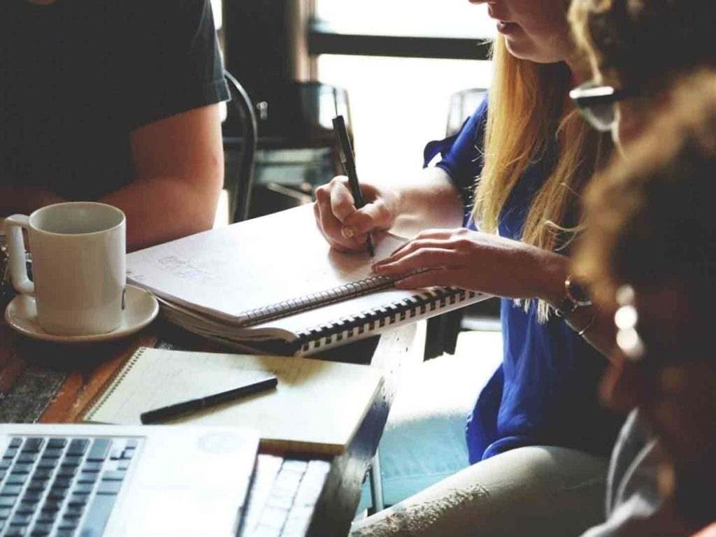 The Benefits of Learning Business English